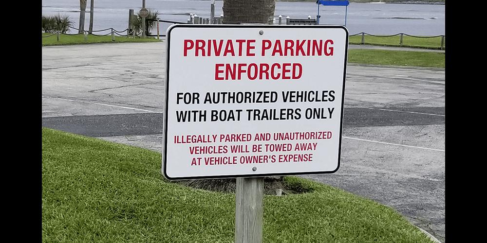 Aluminum-Signs-Private-Lot